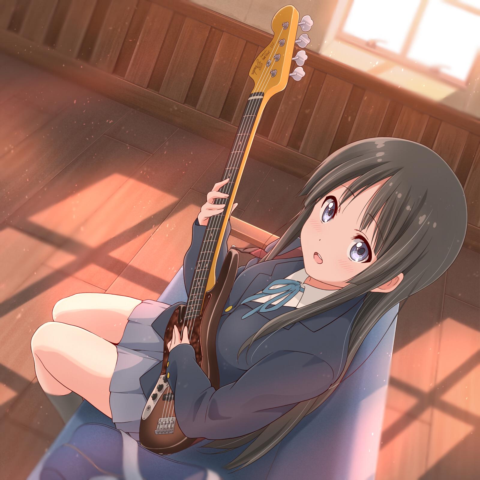 Bass girl Mio. [K-On!]
